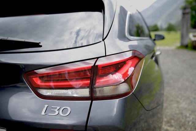 In den Ausstattungsvarianten Style und Premium dominieren LED-Rückleuchten das Heck des i30.